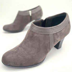 Clarks Womens Shoes Leather Suede Taupe Heeled 9.5